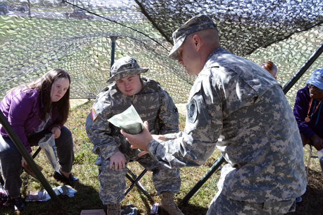 Recruiter with the illinois national guard recruiting and retention